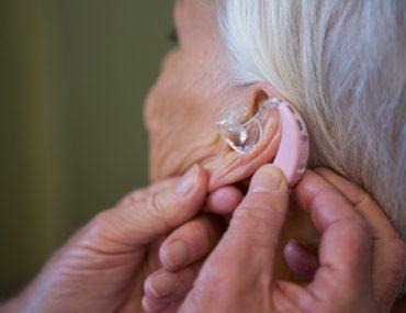 Wat is de gemiddelde gehoorapparaat vergoeding bij zorgverzekeraars voor een hoortoestel?