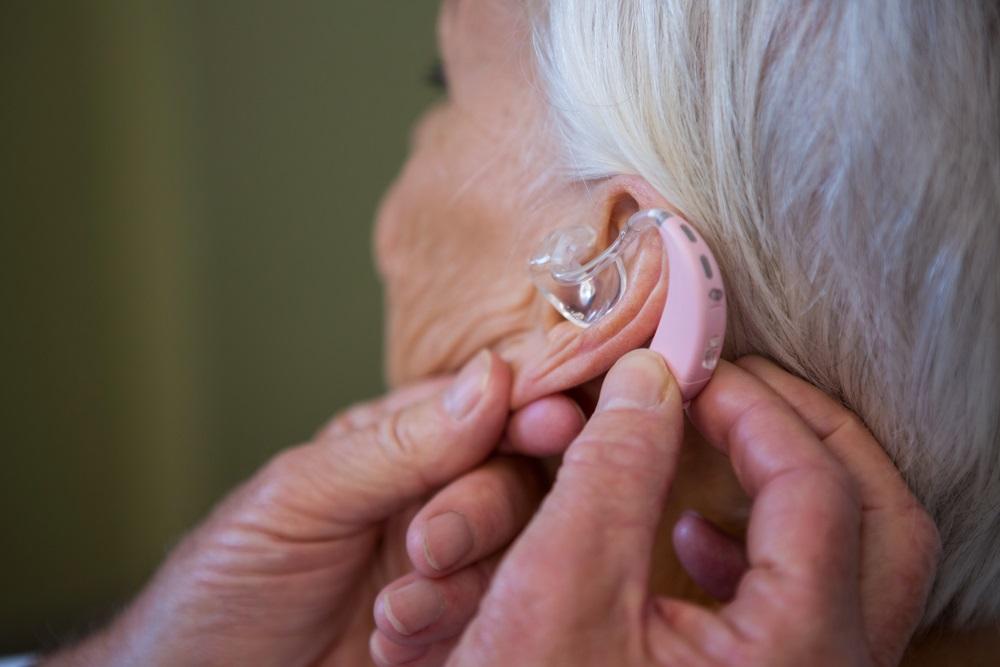 Wat is de gemiddelde gehoorapparaat vergoeding bij zorgverzekeraars voor een hoortoestel
